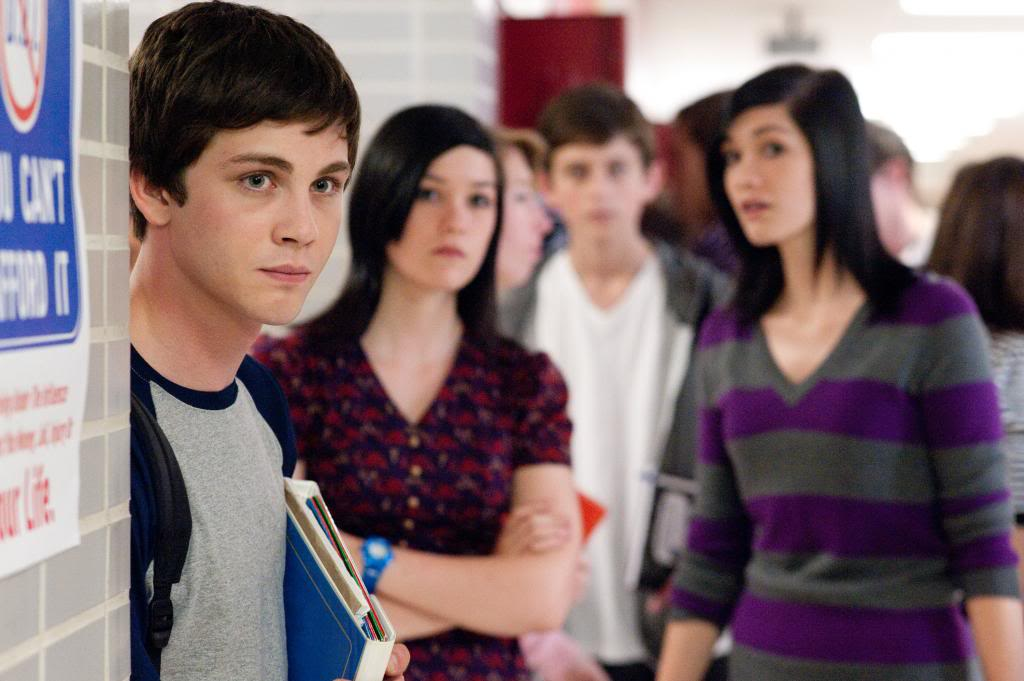 photo the-perks-of-being-a-wallflower-logan-lerman_zpsff60a7d3.jpg